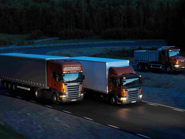 http://transborder-logistics.com/wp-content/uploads/2015/09/Three-orange-Scania-trucks-640x480.jpg